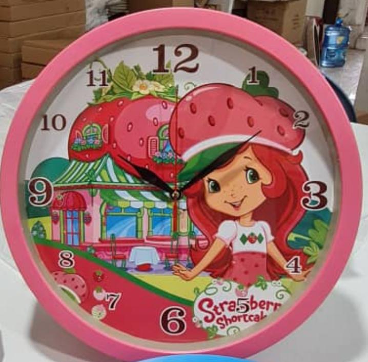 ساعت دیواری کودک دختر توت فرنگی قطر ۳۳ برند سیتیزن